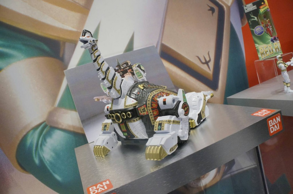 Toy-Fair-2014-Bandai-Power-Rangers-Legacy-020